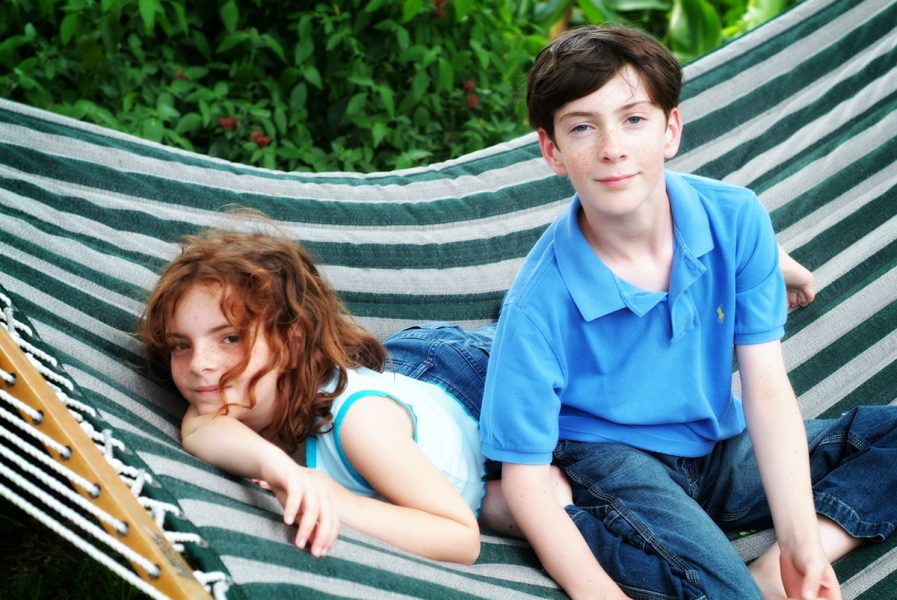 Photo Portrait of Boy and Girl Outdoors